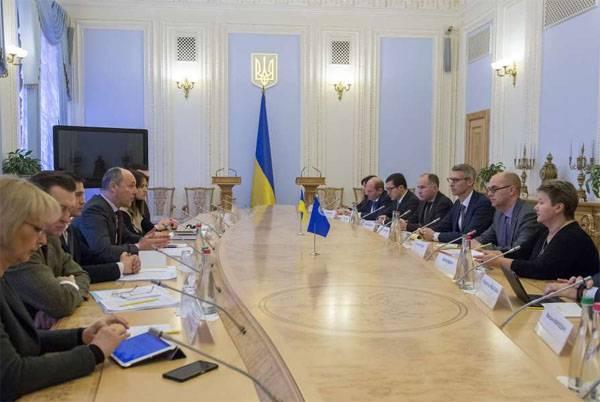 """IWF-Kommission fordert Ukraine auf, Staatsunternehmen zu verkaufen, """"um Korruption auszurotten"""""""