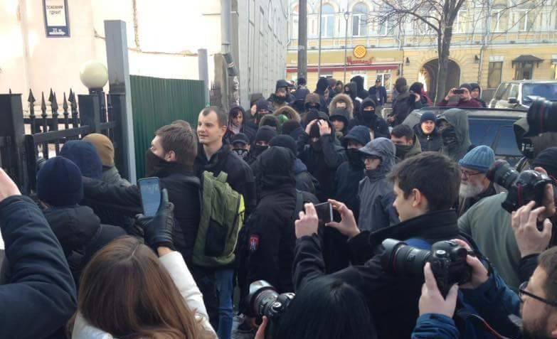 Botschaft der Russischen Föderation in den USA: Stoppen Sie die Unterstützung des Höhlen-Nationalismus in der Ukraine