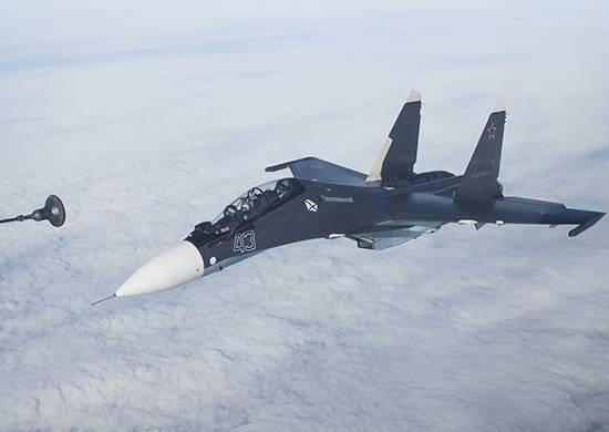 初めて、海軍航空パイロットはSu-30CMで空中給油を完了しました