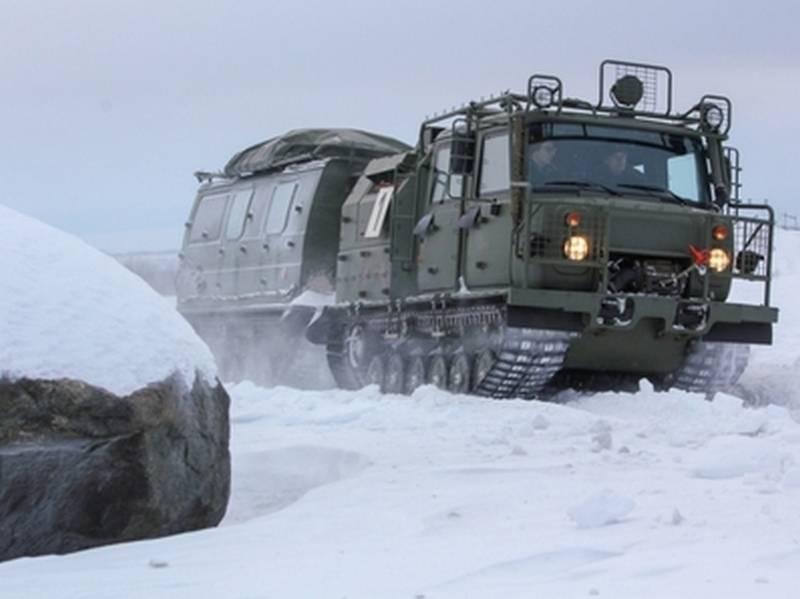 Мотострелки Северного флота опробовали новые снегоболотоходы «Алеут»
