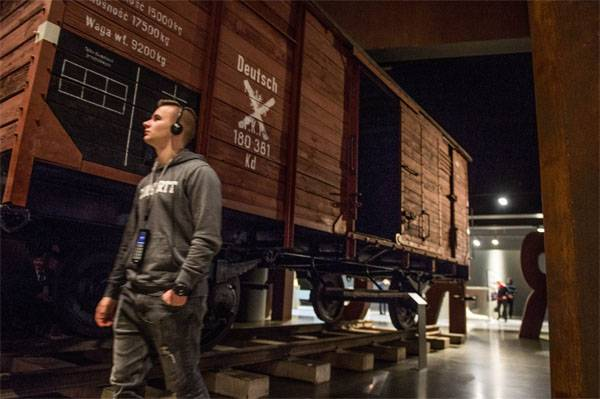 In Poland: Why are there Holocaust museums, but no Polocost museums?