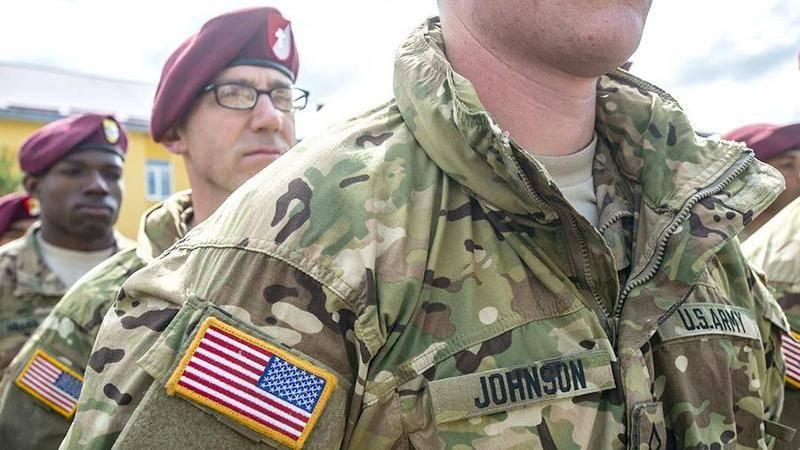 As tropas dos EUA na Coréia do Sul têm permissão para não fazer a barba e usar brincos