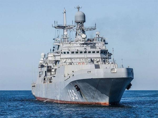 Pourquoi a-t-il été décidé d'échanger les moteurs des grands bateaux de débarquement du projet 11711?