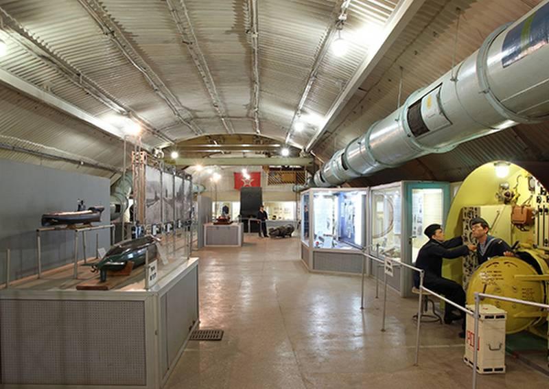 В Музее фортификационных сооружений ЧФ открылась выставка, посвященная героям-подводникам