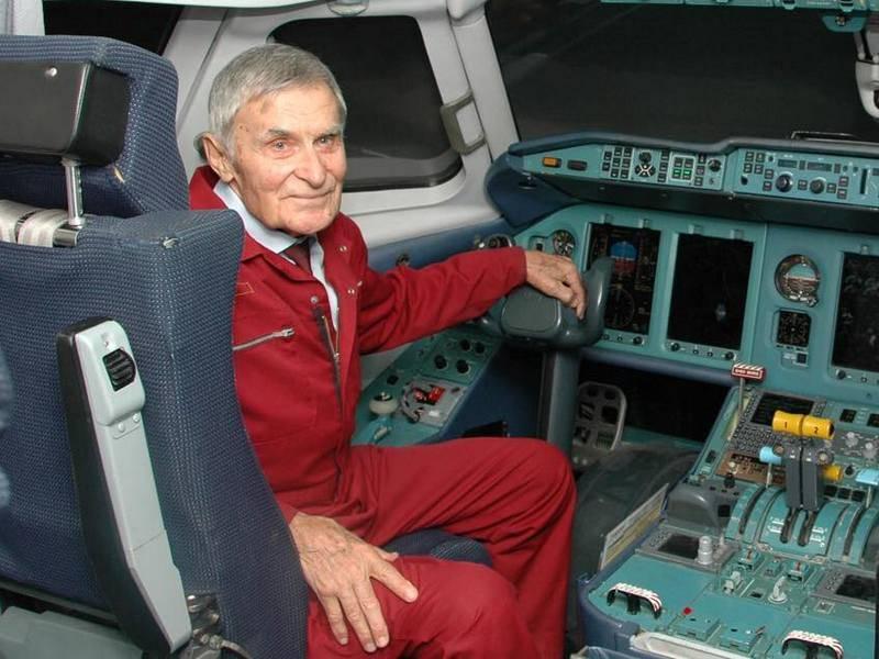 Ukrayna'da, ünlü Sovyet test pilotu, SSCB kahramanı Yury Kurlin öldü