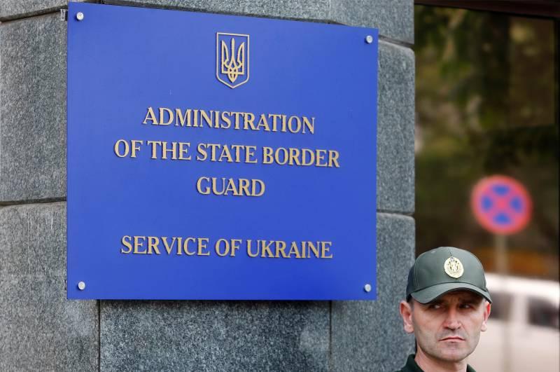 На границе с Россией скопились грузовые машины,