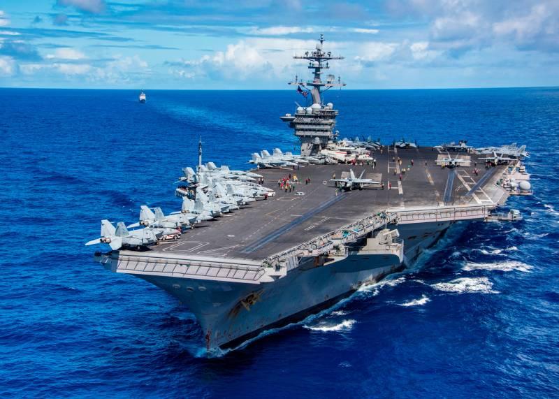 Авианосец ВМС США Carl Vinson посетит Вьетнам впервые с 1975 года