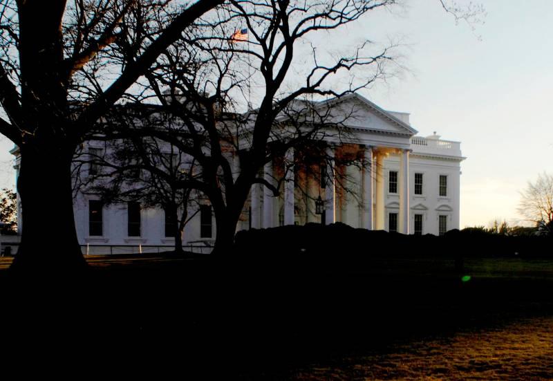 Вашингтон пообещал и дальше проводить жесткую линию в отношении России