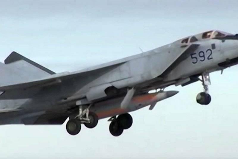 """Легендарный МиГ-31 благодаря """"Кинжалу"""" обретет новое качество"""