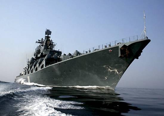 """Le croiseur """"Varyag"""" a travaillé frappant les navires ennemis"""