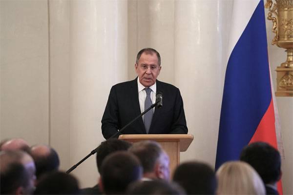 Sergei Lavrov: ABD Suriye'deki teröristleri darbeden uzaklaştırmaya çalışıyor