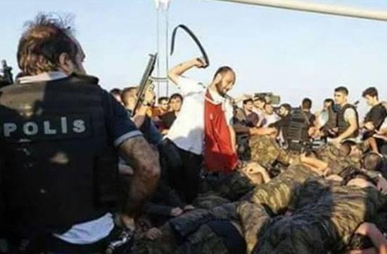 Offiziere der türkischen Marine 65 werden lebenslang ins Gefängnis geschickt