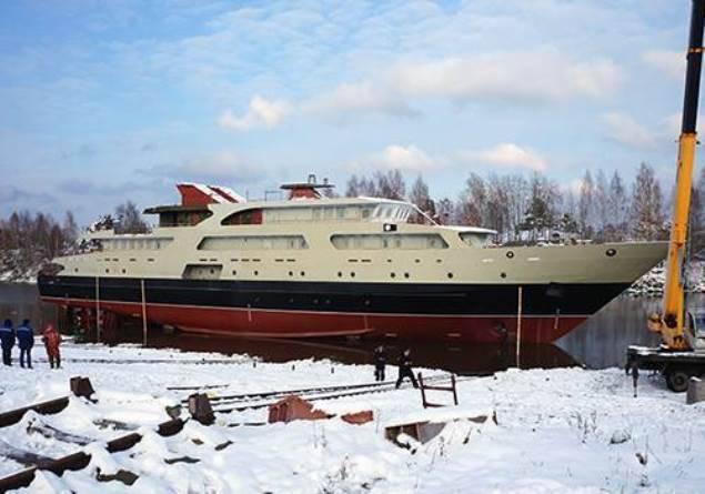 """Cari yılda """"Sokol Tersanesi"""" donanmaya bir iletişim teknesi devredecek"""