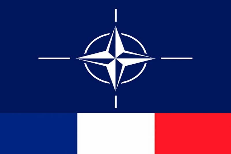 Frankreich hat angeboten, die Unabhängigkeit von der NATO zu erklären