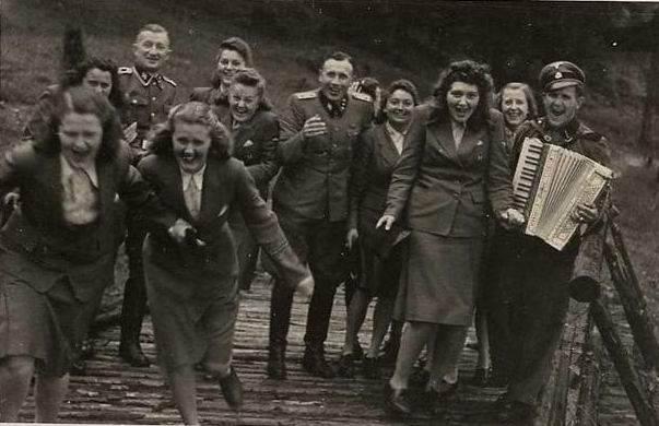 Das weibliche Gesicht des Dritten Reiches oder ob die Ergebnisse revidiert werden sollen