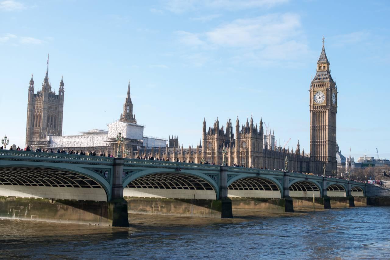 СМИ проинформировали о намерении Лондона ввести санкции против русских чиновников