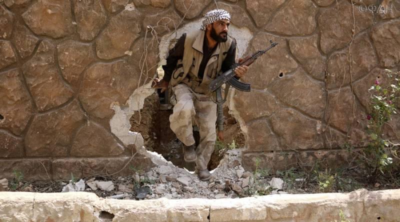 ईस्ट घोउट में, आतंकवादी समूहों के बीच सड़क लड़ाई शुरू हुई