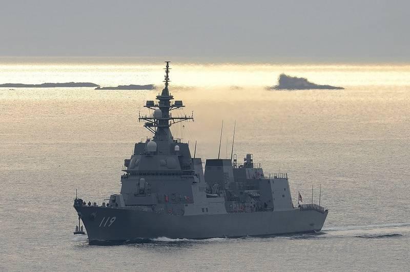 日本海軍は新しい駆逐艦を受けた