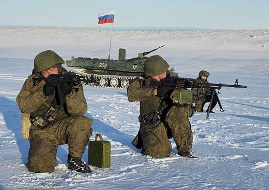 Мотострелки ВВО отработали задачи противодесантной обороны Курил