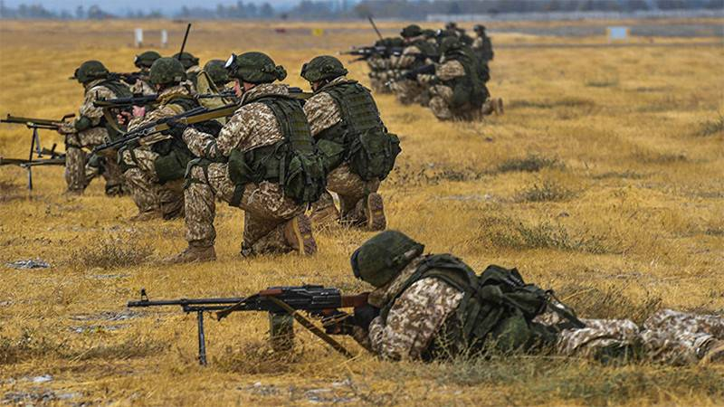 Soldiers of Russia and Tajikistan held exercises near the Afghan border