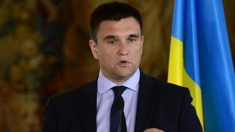 """Климкин """"решил"""" ввести в Донбасс 15 тысяч миротворцев"""