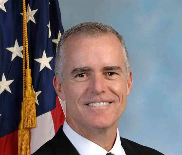 Уволенный замглавы ФБР Маккейб сообщил записи бесед сТрампом спецпрокурору