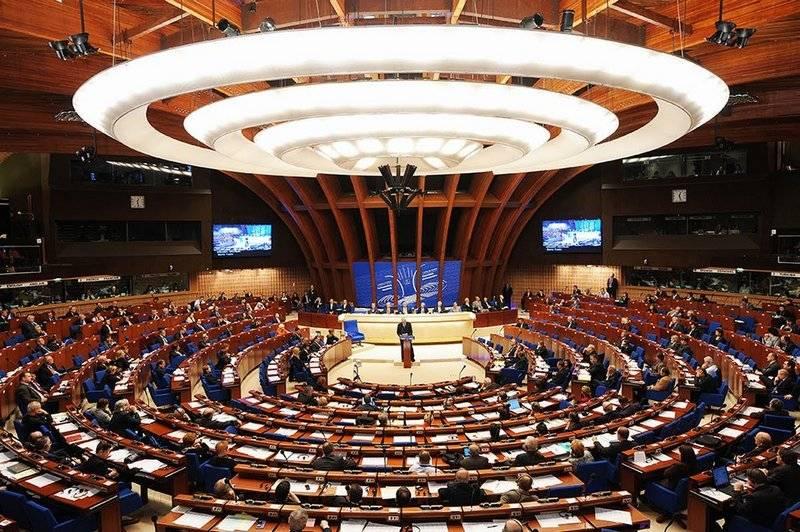 PACE는 러시아의 기부금 일부 지불 거절로 인한 재정적 어려움을 인정했다.