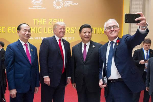 特朗普:中国窃取了我们的商业机密 - 我们将收取费用
