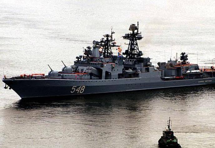 Pacific Fleet'teki 20 gemileri denizde savaş eğitimi görevlerini yerine getiriyor