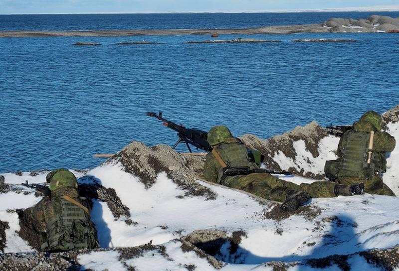 特种部队ZVO在芬兰湾的岛屿上进行了一次训练