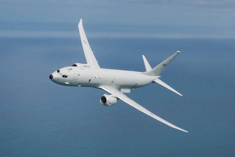 최초의 대잠 잠수함 P-8A Poseidon이 호주 공군과 함께 운항을 시작했습니다.