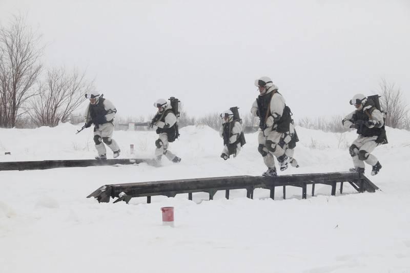 "En el Distrito Militar Central se celebró un concurso lanzallamas ""White Sun-2018»"