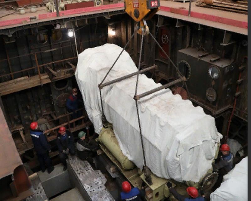Severnaya Verf Shipyard: Hauptmotoren auf die Corvette Corvette geladen