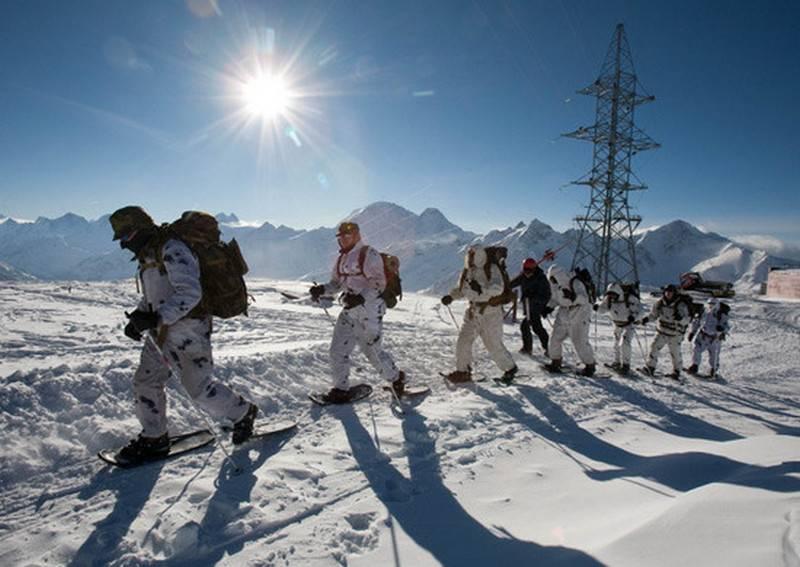 Samara-Spezialeinheiten besiegten den Sayan March-2018-Skibergsteigerwettbewerb