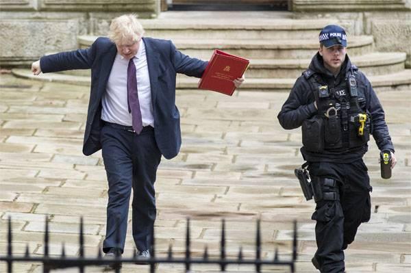 유럽 연합 (EU)의 런던과 워싱턴 합창단은 러시아 외교관을 파견한다.
