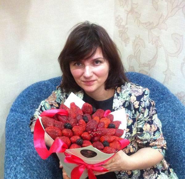 Aramızdaki kahramanlar. Kemerovo'da çocukları kurtarmak adına hayat, öğretmen Tatiana Darsalia tarafından verildi.