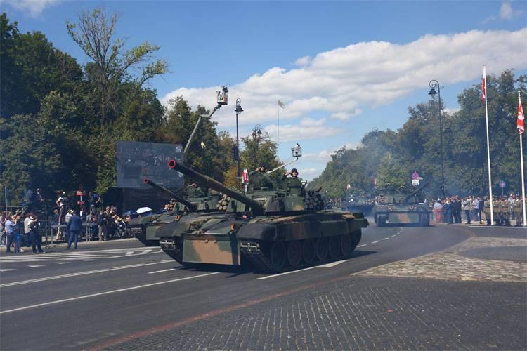 На Восток? НАТО обязало ЕС приспособить дороги Прибалтики к переброске бронетехники