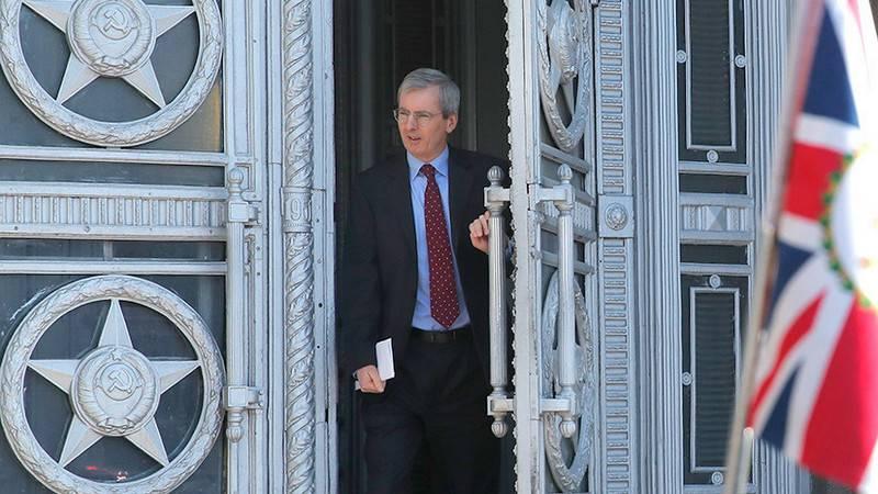 O Ministério das Relações Exteriores da Rússia exigiu que o Reino Unido reduza o pessoal da embaixada e dos consulados gerais