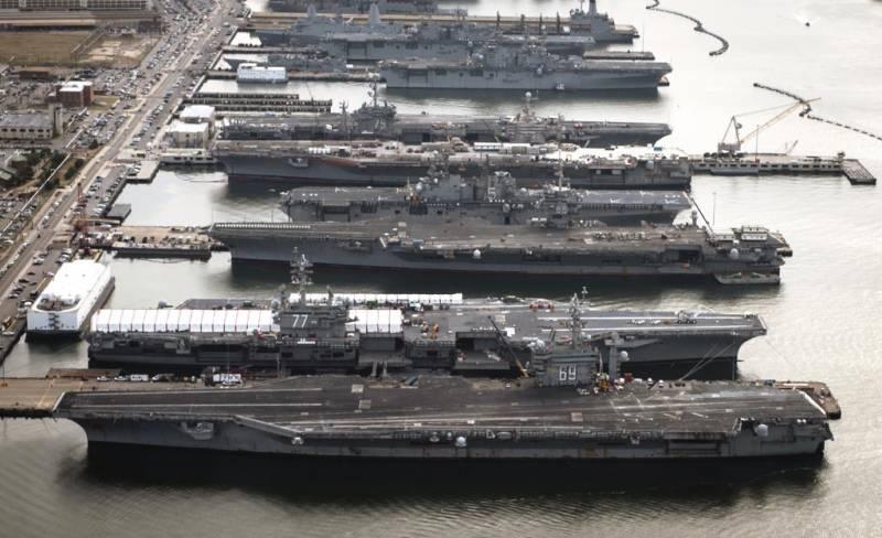 Почему авианосцы США остались на базах?