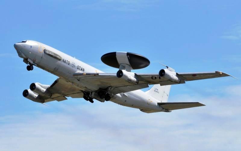 Натовские самолеты провели масштабную разведку у западных границ РФ