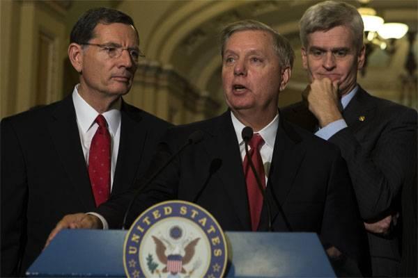 Senatore USA: la Russia è decisamente fuori dalla catena, bisogna fare qualcosa