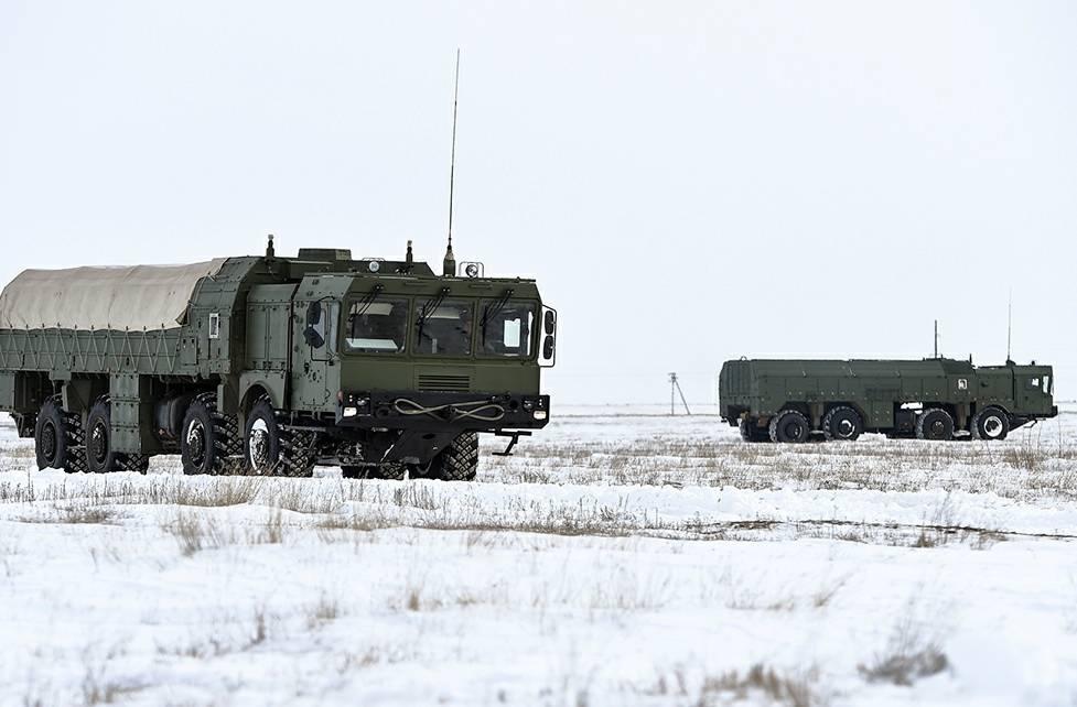 Расчеты ОТРК «Искандер-М» провели тренировку понанесению ракетных ударов
