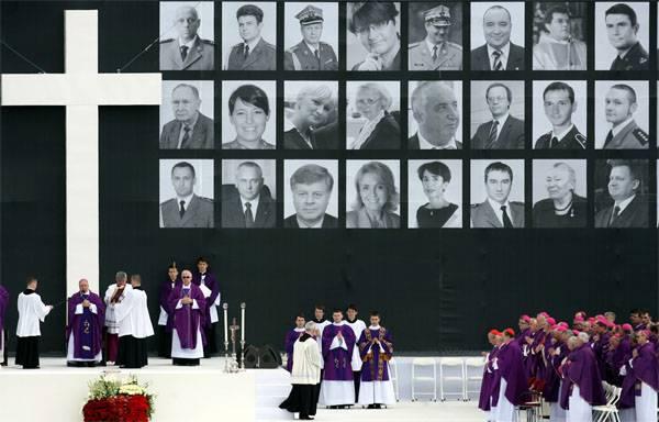 Tu-154的崩溃。 大多数波兰人都不相信恶意
