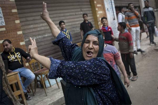 이집트에서 대통령 선거에서 승리를 기념 한 사람