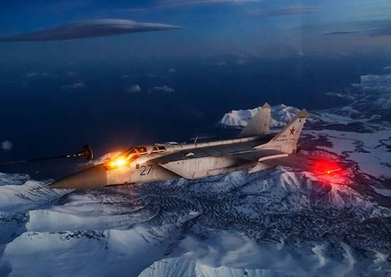 MiG-31 Pasifik Filosu mürettebatı ilk gece havada yakıt ikmali gerçekleştirdi