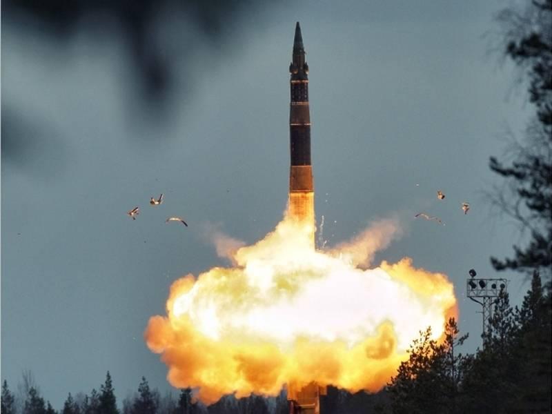 Un experto estadounidense dijo por qué se necesita la cooperación entre Rusia, China y los Estados Unidos.