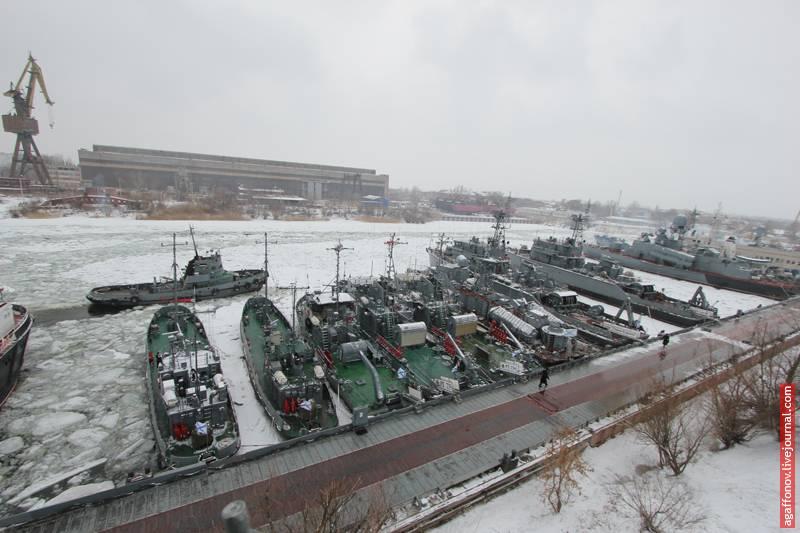 Каспийская флотилия перебазируется из Астрахани в Каспийск. Почему?