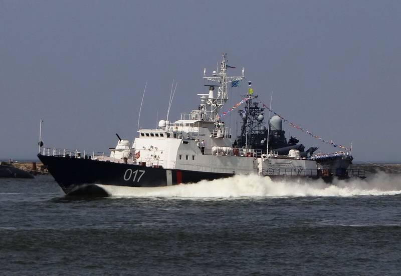 El primer trago. Se ha creado un grupo en el mar de Azov para luchar contra la piratería ucraniana.