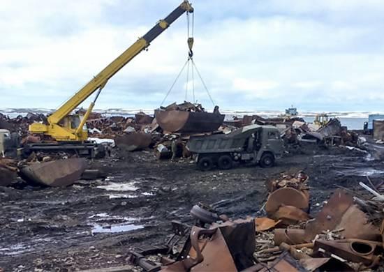 रैंगल द्वीप को साफ करने के लिए, एक समेकित पर्यावरण दस्ते का गठन किया गया था