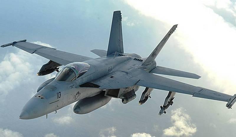 F / A-18E / F Super Hornet sta ancora volando. Dopo la modernizzazione